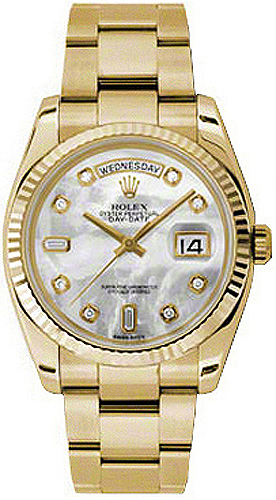 replique Montre Rolex Day-Date 36 en nacre et lunette cannelée en or 118238