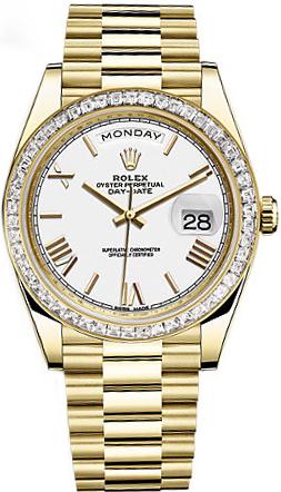 replique Rolex Day-Date 40 cadran blanc à chiffres romains et en or 228398TBR