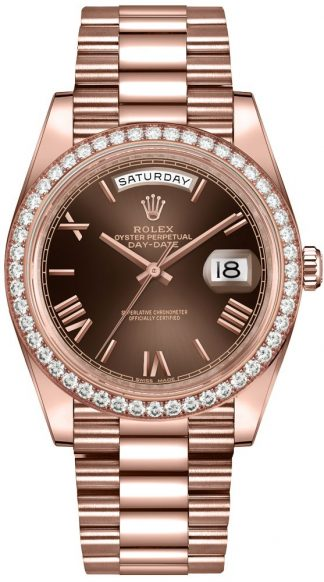 replique Rolex Day-Date 40 cadran chocolat Diamond Bezel Montre homme 228345RBR